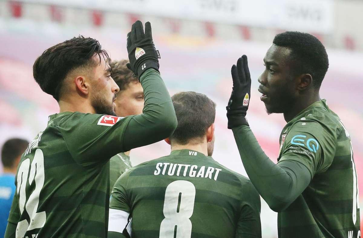 Nicolas Gonzalez (links) und Silas Wamangituka zählen zu den Notenbesten beim VfB. Foto: Pressefoto Bauman//Alexander Keppler