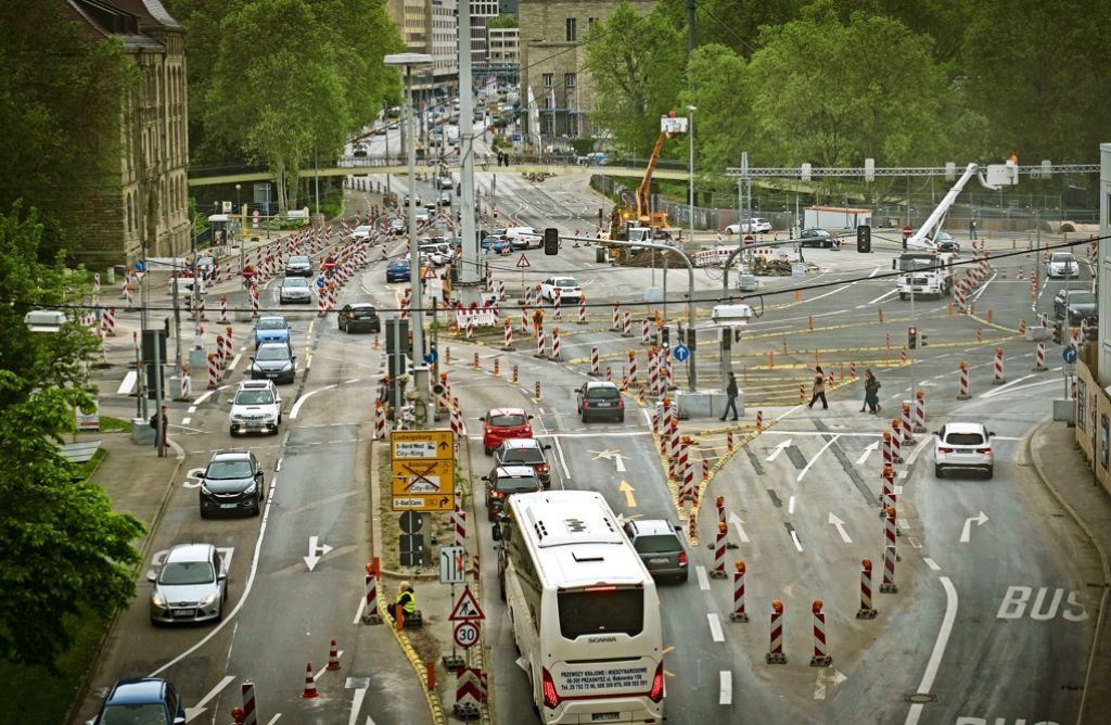 Noch ist es unübersichtlich am Gebhard-Müller-Platz. Foto: Lichtgut/Achim Zweygarth