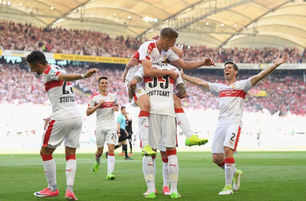 Grenzenlose Freude beim VfB über den Aufstieg. Foto: Bongarts