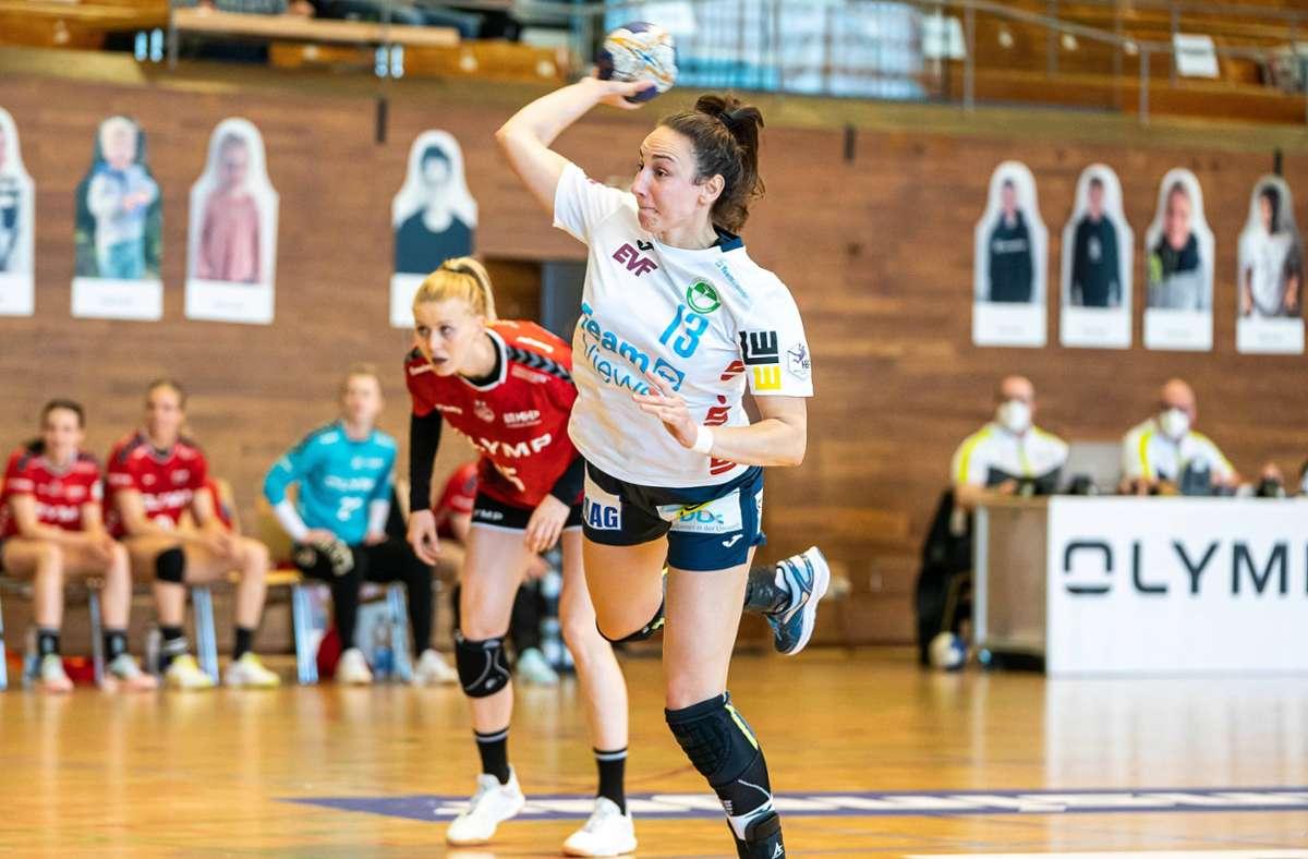 Iris Andjic (re.) und die Frisch-Auf-Frauen müssen aus der Bundesliga absteigen. Foto: imago//Michael Schmidt