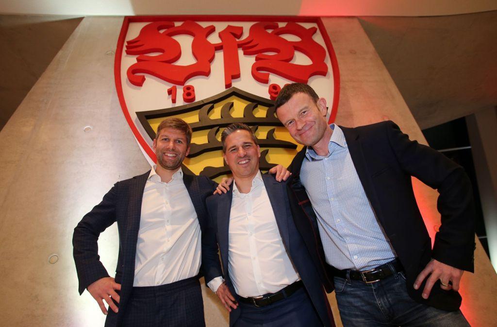 Im Dialog mit den Fans: Das VfB-Trio Thomas Hitzlsperger, Stefan Heim, Jochen Röttgermann. Foto: Baumann