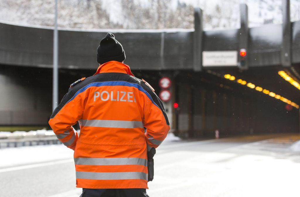 Der Mann war im Gotthardtunnel zu schnell gefahren. Foto: dpa