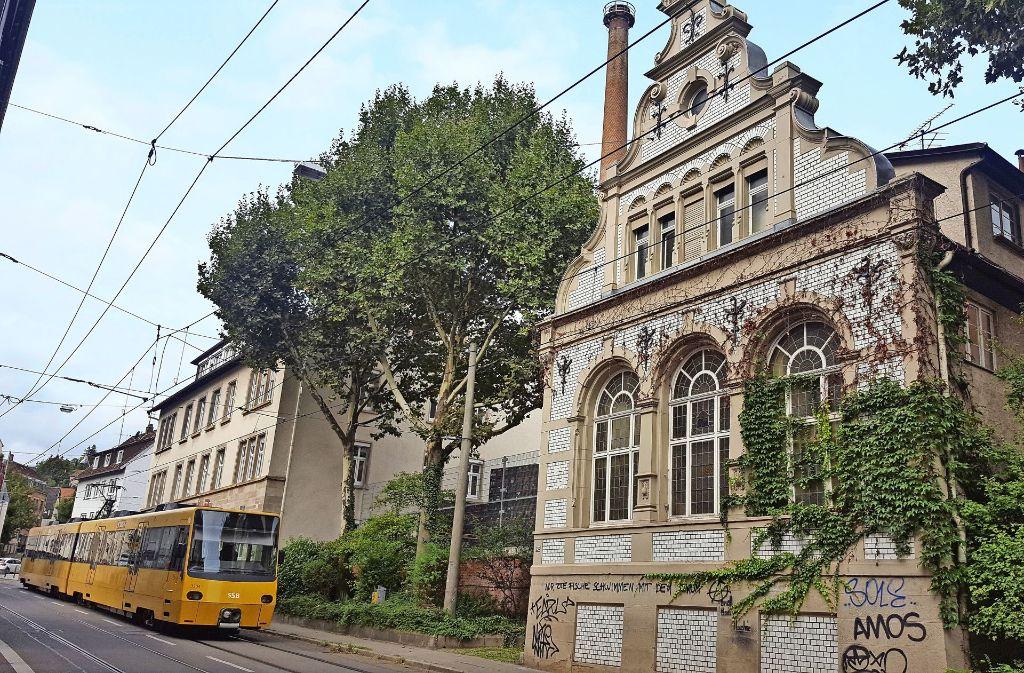 Der Bezirksbeirat-Süd hat  sich in diesem alten Gebäude eine schnuckelige Brauereigaststätte gewünscht, die Besucher anzieht  und die Böblinger Straße aufwertet. Foto: Kathrin Wesely