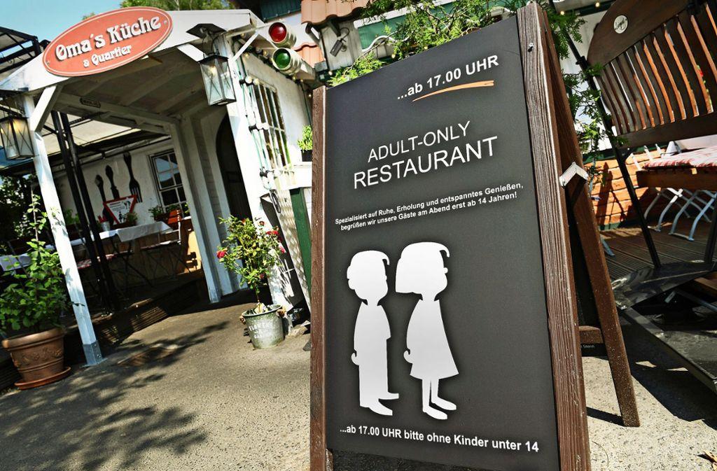 """Das Restaurant """"Oma's Küche und Quartier"""" in Binz auf Rügen sorgte vergangenen Sommer für Aufsehen, weil ein Verbot für Kinder ab 17 Uhr eingeführt wurde. Foto: dpa"""