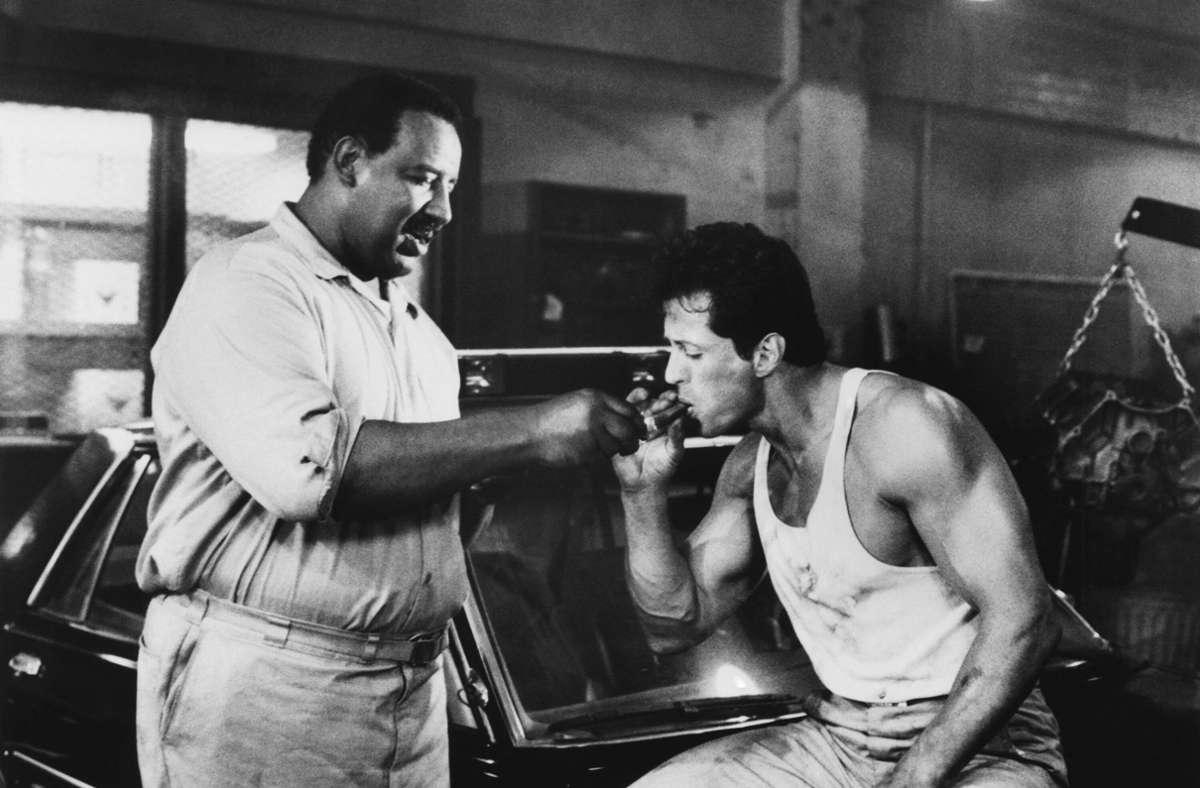 """1989 spielte Frank McRae (links)  in John Flynns   Actionfilm """"Lock Up – Überleben ist alles"""" an der Seite von  Sylvester Stallone. Foto: /TriStar Pictures/Courtesy Everett Collection via Imago"""