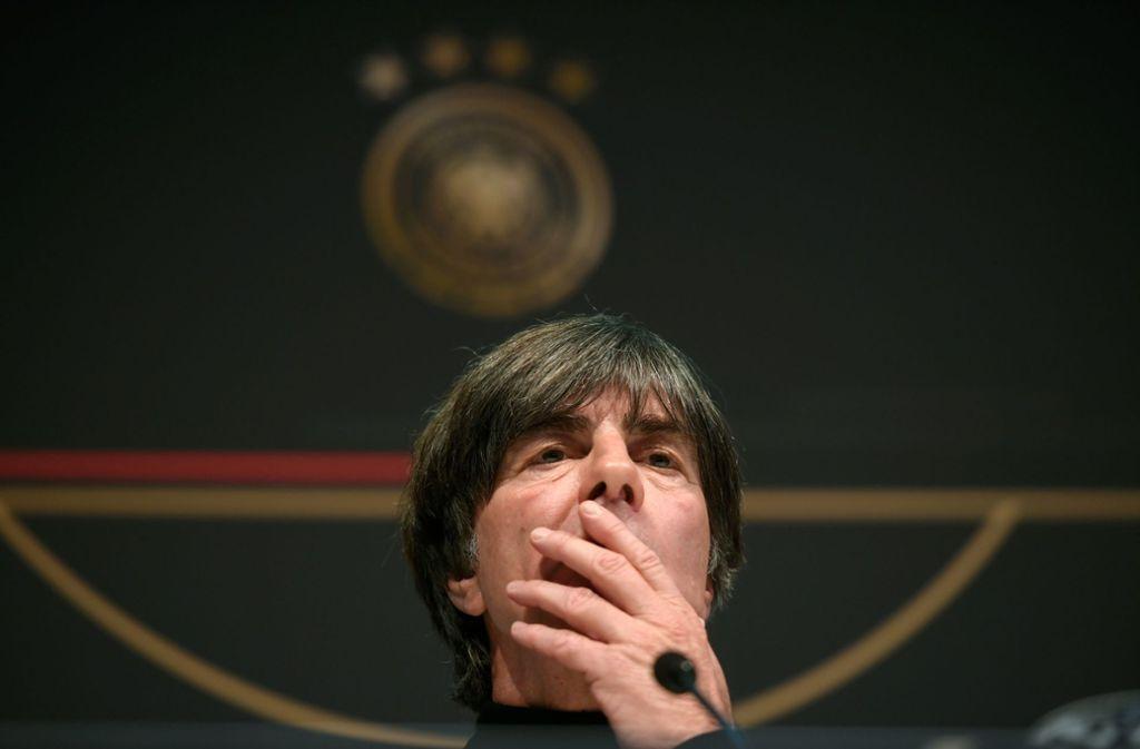 Joachim Löw grübelt, wie er die Verletzten am besten ersetzt. Foto: AFP/Ina Fassbender
