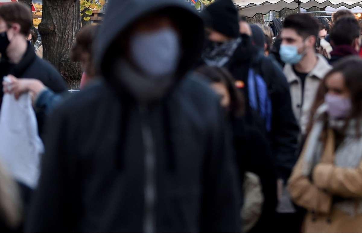 Gegen die Maskenpflicht in einem definierten Bereich in Winnenden hat ein Bürger geklagt – in erster Instanz erfolgreich. Foto: dpa/Kira Hofmann