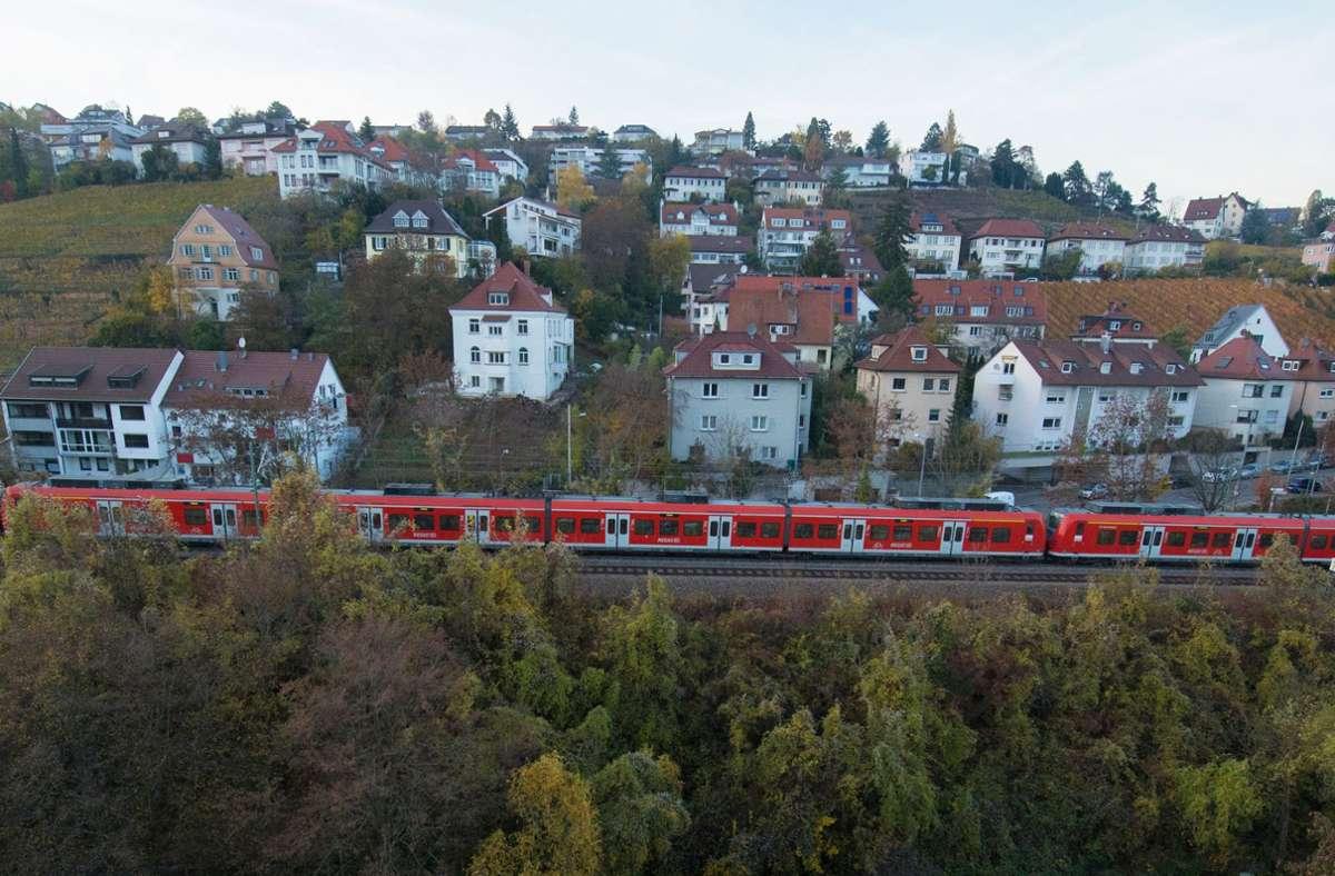 Die Gäubahngleise dienen heute im Notfall der S-Bahn als Ausweichstrecke, wenn ihr Tunnel blockiert ist. Mit Stuttgart 21 kann die S-Bahn diese Gleise nicht mehr erreichen. Foto: dpa/Franziska Kraufmann