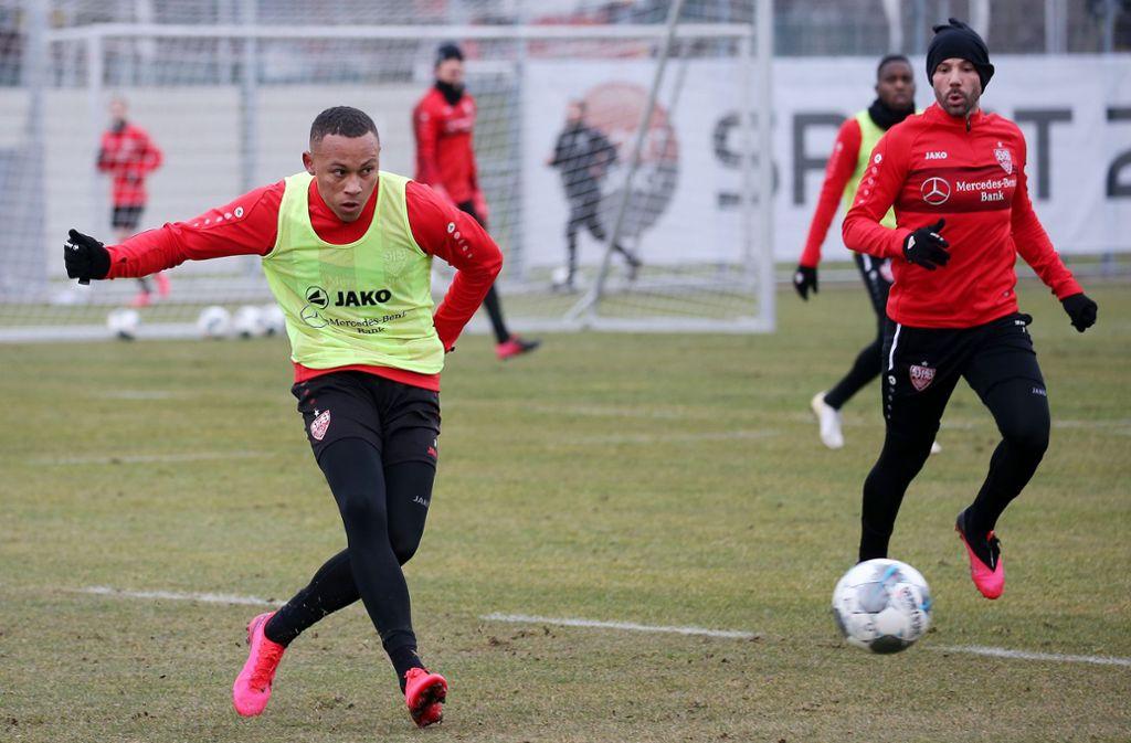 Im Training läuft es für Roberto Massimo (links) vom VfB Stuttgart schon wieder ganz gut. Foto: Baumann