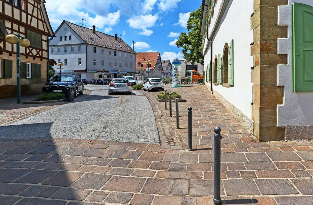 Direkt vor dem Rathaus beginnen am Montag die Arbeiten. Foto: factum/Granville