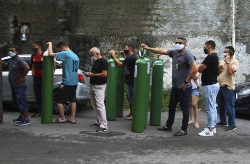 Sauerstoff-Lieferung aus Venezuela trifft  in  Manaus ein