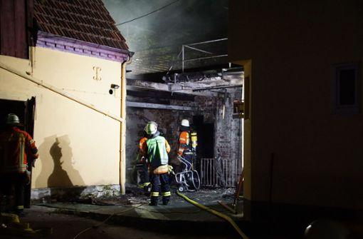 Gebäudeanbau steht in Flammen – 50.000 Euro Schaden
