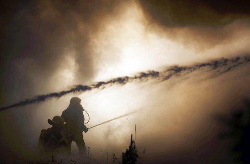 Matratzenlager in Flammen