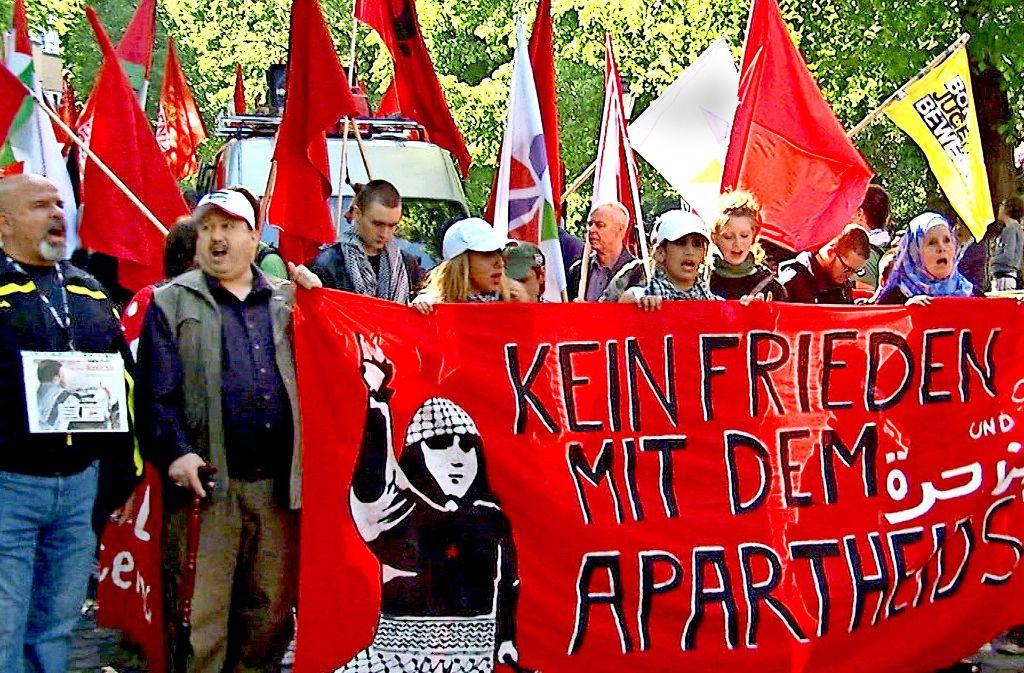 """Sind Anti-Israel-Demos Ventile des Antisemitismus? Die jetzt doch noch gezeigte, umstrittene TV-Doku """"Auserwählt und ausgegrenzt"""" kennt da keinen Zweifel. Foto: WDR"""