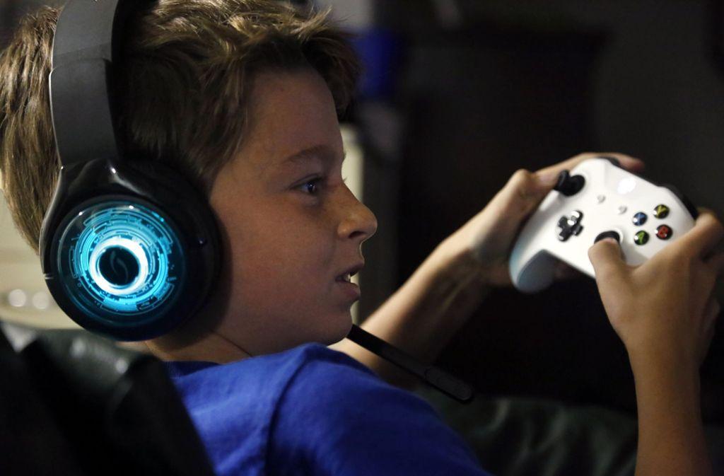 Die tägliche Spieldauer von Kindern und Jugendlichen ist erheblich gestiegen, womöglich auch wegen Spiels Fortnite Foto: AP
