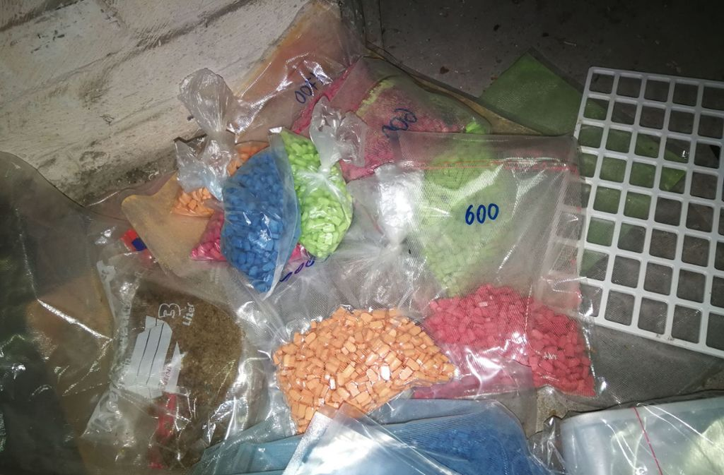 Die Fahnder fanden die Drogen unter einer Ladung Salat. Foto: dpa