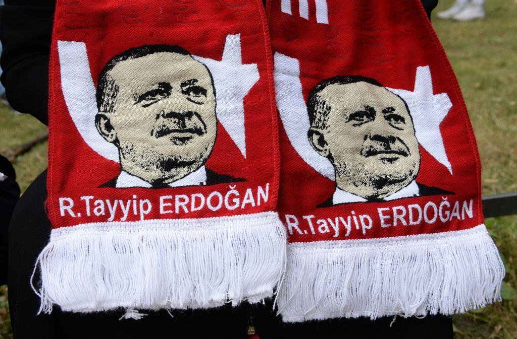 Seine Unterstützer feiern den türkischen Präsidenten Recep Tayyip Erdogan wie einen Star. Foto: dpa