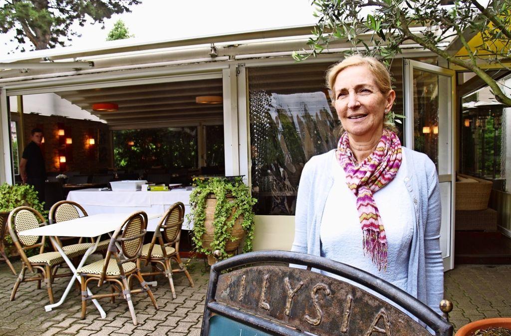 Müssten sie den Pavillon abreißen, wäre ihre wirtschaftliche Existenz bedroht, meint Anna Sakellariou. Foto: Rüdiger Ott