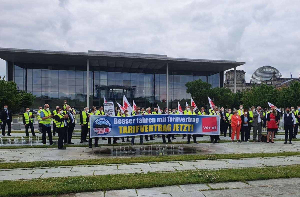 Der Fahrdienst für die Abgeordneten des Bundestages protestiert. Foto: Verdi/privat