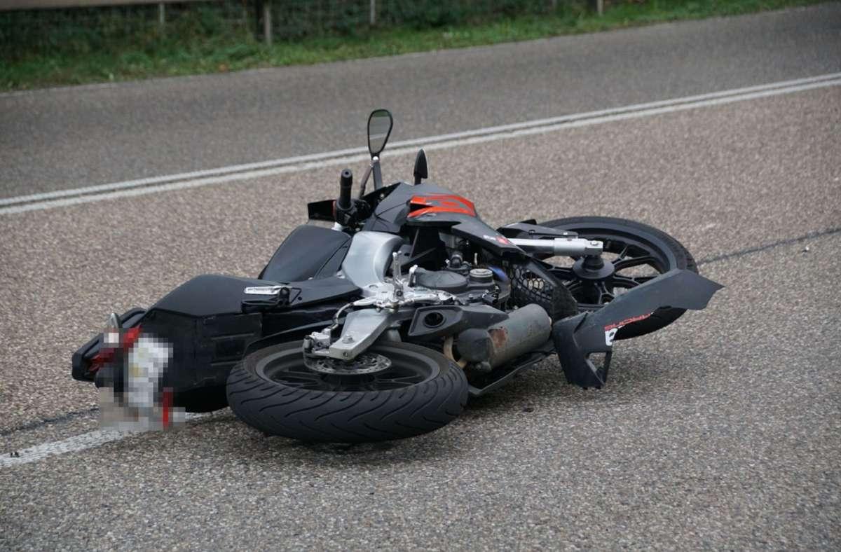 Die Motorradfahrerin wurde leicht verletzt. Foto: SDMG/SDMG / Boehmler