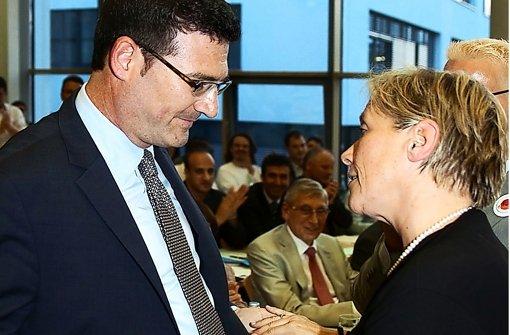 Die CDU-Chefs umarmen ihre Kritikerin