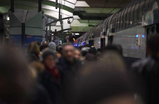 Frau bringt Kind während Streikchaos im Zug zur Welt
