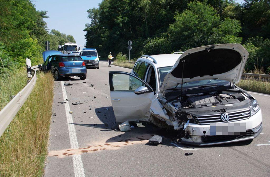 Der Unfall ereignete sich auf der B10 bei Enzweihingen. Foto: SDMG