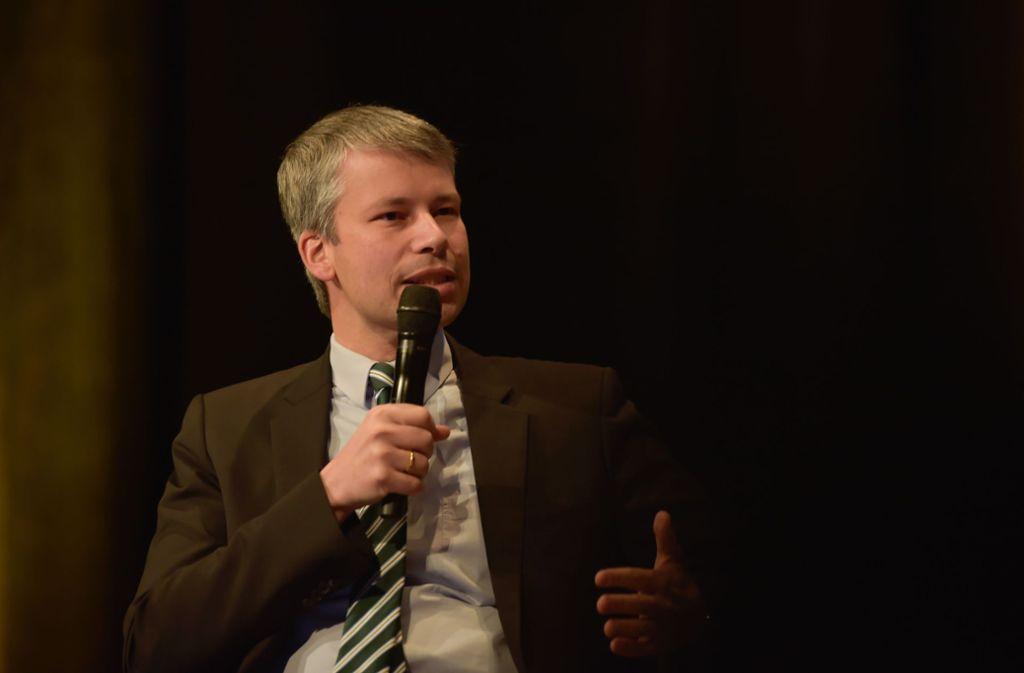Steffen Bilger, hier bei einer Podiumsdiskussion zum Thema Mobilität in der Stadt. Foto:
