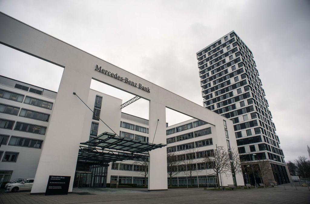 Die Mercedes-Benz-Bank steht im Visier von Verbraucherschützern. Foto: Lichtgut/Max Kovalenko