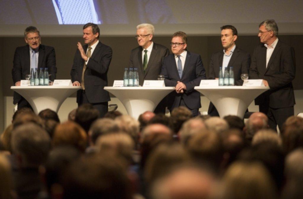 """Die Spitzenkandidaten der Landtagswahl in Baden-Württemberg kommen nochmal zur """"Elefantenrunde"""" zusammen. Foto: dpa"""