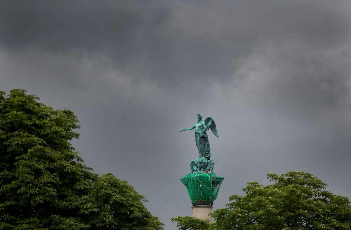 Wolken beherrschen auch in den kommenden Tagen den Himmel über Südwesten. Foto: dpa/Tom Weller