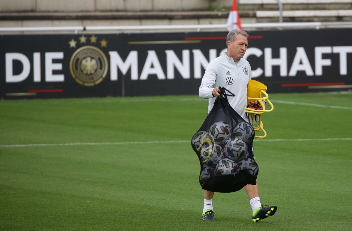 Torwarttrainer Andreas Köpke will das DFB-Team offenbar verlassen. Foto: Pressefoto Baumann/Hansjürgen Britsch