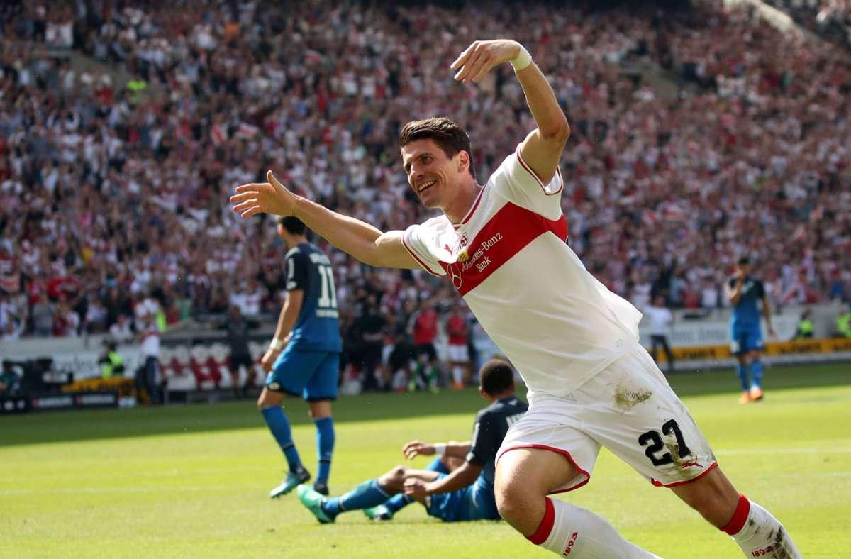 Der Torjäger hat zugeschlagen: Mario Gomez im Mai 2018 gegen Hoffenheim Foto: imago/R/obin Rudel