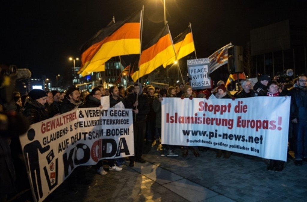 In Villingen-Schwenningen wird am Montag die erste Pegida-Demonstration in Baden-Württemberg stattfinden (Foto: Archivbild aus Köln). Foto: dpa