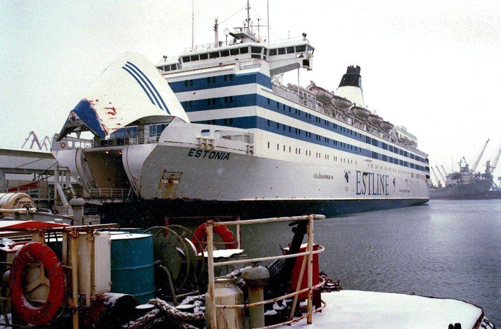 Ein undatiertes Bild zeigt die Passagierfähre M/S Estonia in den Docks in Tallinn am Estliner Fährterminal. Foto: dpa/Li Samuelson