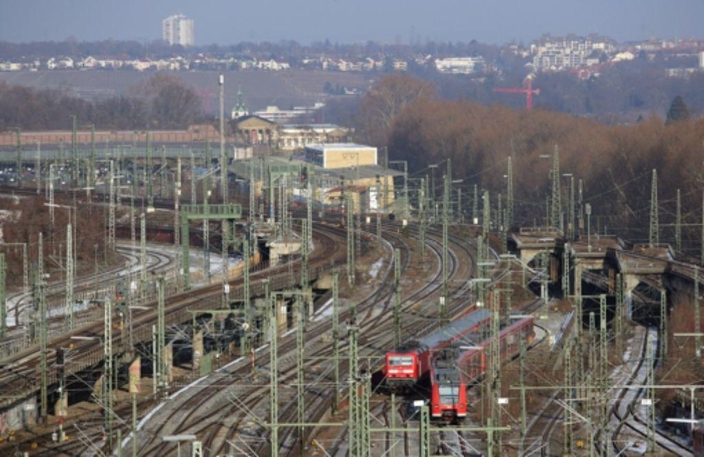 Bevor ein neues Stadtviertel entstehen kann, müssen zuerst die Gleise entfernt werden. Foto: Achim Zweygarth