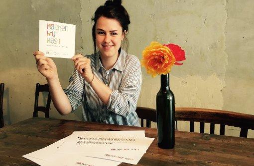 Projektmitarbeiterin Katharina Kulakow zeigt, wie cool es ist, bei Machen-wir-was! mitzumachen. Foto: Tanja Simoncev