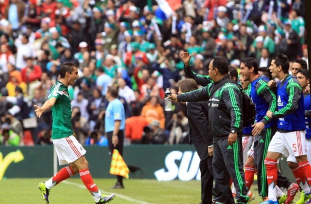 Die mexikanischen Spieler hatten beim 5:1-Sieg gegen Neuseeland allen Grund zur Freude - beim Playoff-Rückspiel sollte da eigentlich nicht mehr viel passiere. Foto: dpa