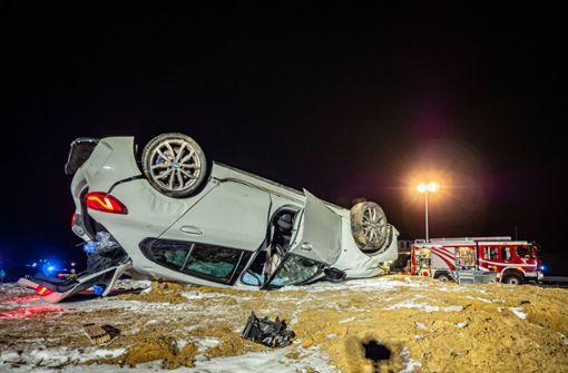 Auto überschlägt sich mehrfach – 70.000 Euro Schaden