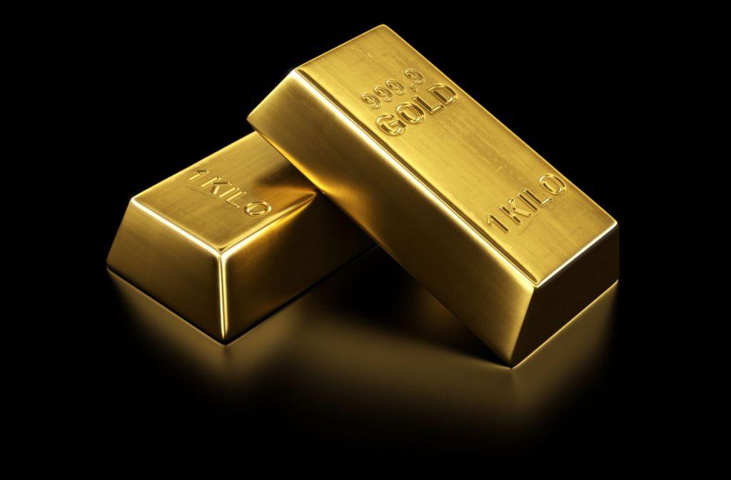 Zwei Goldbarren fielen aus einem Schrank. (Symbolbild) Foto: Shutterstock/zentilia