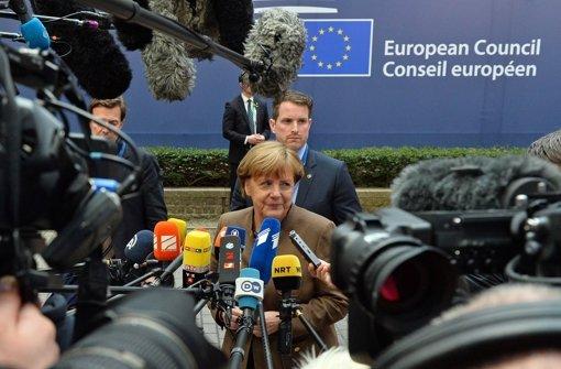 Gefragte Kanzlerin: Angela Merkel vor dem EU-Gipfeltreffen in Brüssel Foto: AP