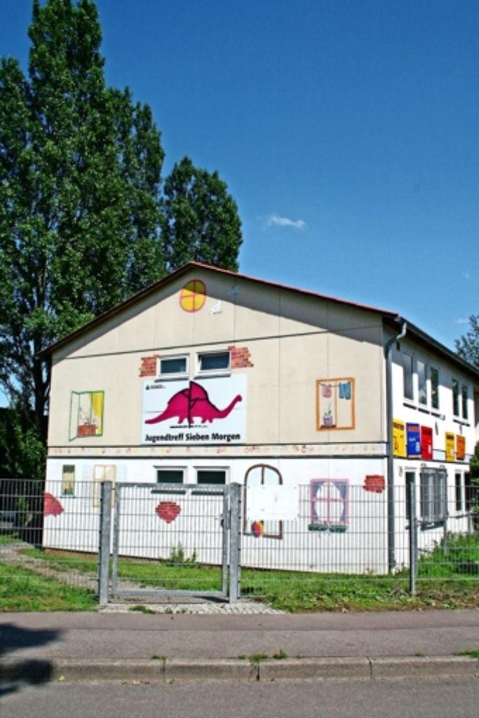 Der Jugendtreff an der Asperger Straße 41A war früher eine Flüchtlingsunterkunft, die  nur ein Provisorium sein sollte. Foto: Chris Lederer