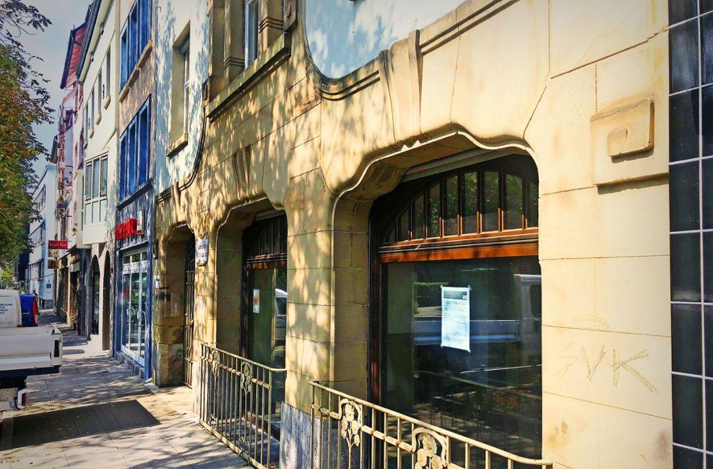 In diesem früheren Laden wird Mitte Oktober ein Kulturtreff eröffnet (links Tom's Bar) Foto: StN