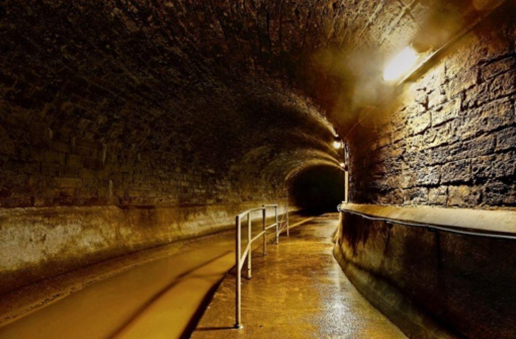 Ein Blick in die Unterwelt von Stuttgart:  das  in die USA verleaste Netz von Abwasserkanälen gehört zusammen mit den Kläranlagen der Stadt. Oder ist es nun doch  Eigentum  eines amerikanischen Trusts? Foto: factum/Weise