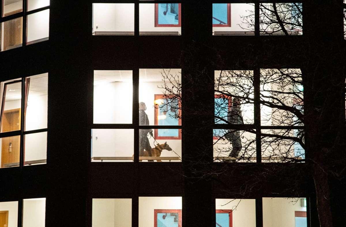 Die Polizei war mit Hunden im Einsatz in einem Gerlinger Hotel. Foto: 7aktuell.de/Nils Reeh