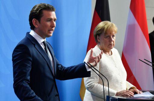 Sebastian Kurz gibt sich als  Gegenspieler von Merkel