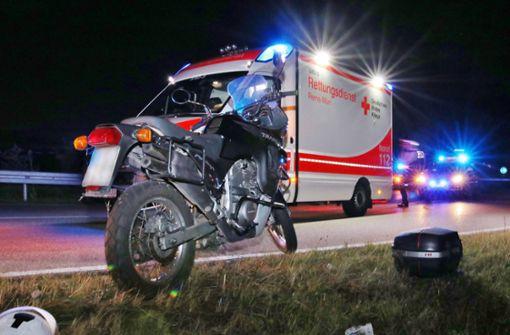 Fataler Fahrfehler – Motorradfahrer schwer verletzt