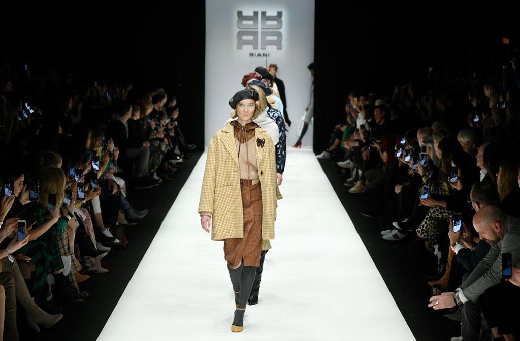 Mit Spannung erwartet und positiv aufgenommen: Die Schau des Schorndorfer Labels Riani auf der Fashion Week. Foto: Getty Images Europe