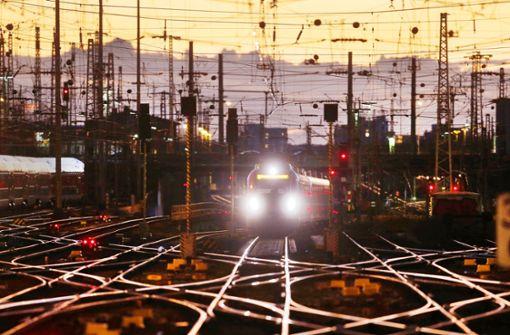 Bahn-Krise bringt Regierung in Zugzwang