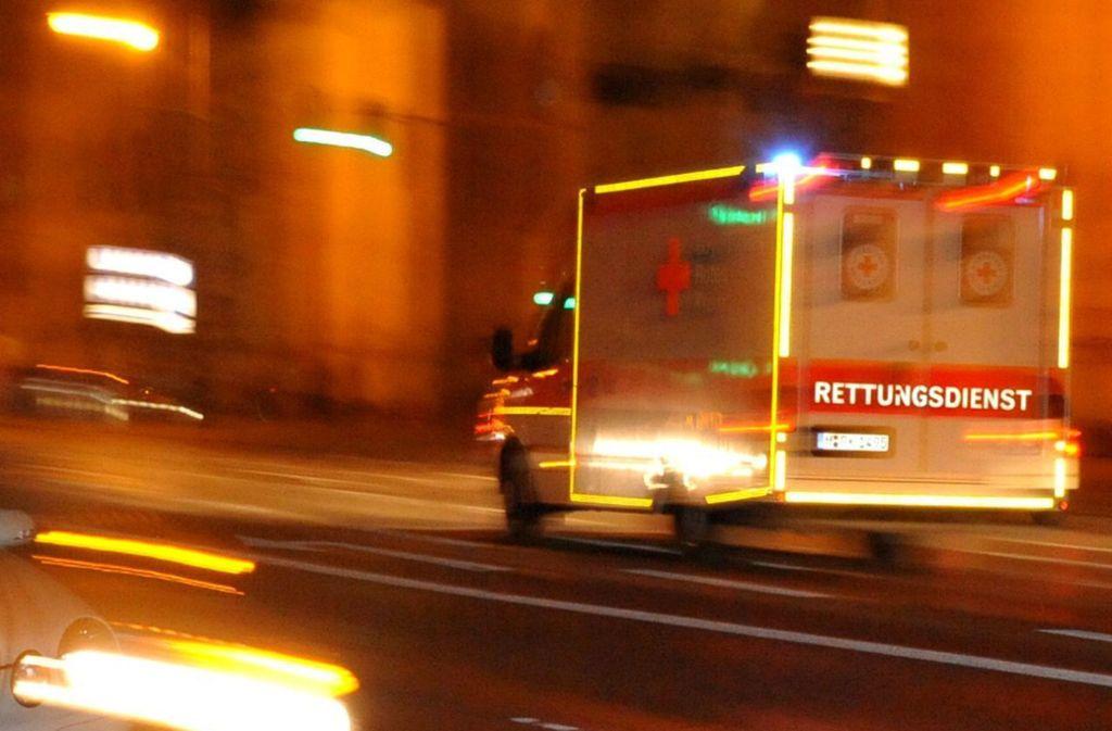 Die beiden Männer kamen schwer verletzt in ein Krankenhaus. (Symbolfoto) Foto: picture alliance/dpa//Nicolas Armer